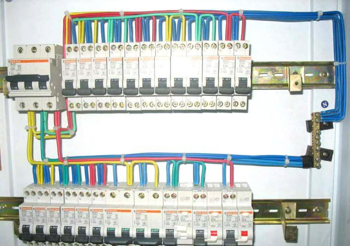 配电箱与供电线路结合的制作工艺图片1
